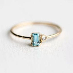 Jewelry - Gorgeous Minimalist Ring size 7